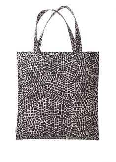 Metropoli-bag by Marimekko. Perfect for grocery shopping - and I'd like to hang it on the wall in hook, just next to my outdoor.