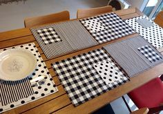 Jogo americano patchwork. Black and white.