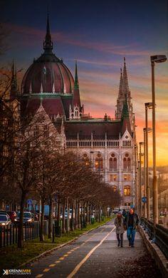 Autumn walk at the Parliament - Photography by Krenn Imre http://ift.tt/1XJt9dG #budap