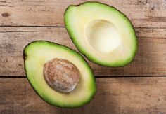 The benefits of avocado seeds are shocking! Did you know they destroy cancer cells, reduce inflammation, help shed fat and rebuild collagen? That's not all.