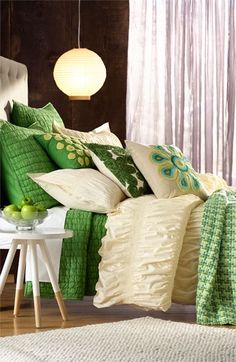 bright greens and soft ivory. absolutely love these colors + the beautiful textures!