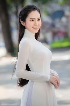 Ao Dai, Korean Hairstyles Women, Japanese Hairstyles, Asian Hairstyles, Men Hairstyles, Redhead Hairstyles, Beautiful Asian Women, Stylish Girl, Asian Fashion