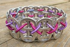 Soda tab bracelet (reminds me of the ones I used to make in high school, with soda can tabs and safety pins. Soda Tab Crafts, Can Tab Crafts, Cute Crafts, Diy Crafts, Recycled Jewelry, Recycled Crafts, Recycled Materials, Soda Tab Bracelet, Diy Bracelet