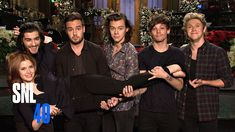 SNL Host Amy Adams Meets One Direction Under The Mistletoe