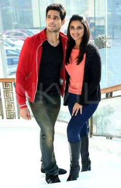 Sidharth and Parineeti promote Hasee Toh Phasee in Delhi |