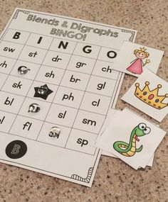 Phonics Fun in Grade! – Susan Jones Tons of fun printable phonics games for first grade! These games and activities cover long vowels, digraphs, consonant blends, and more! First Grade Phonics, Teaching First Grade, Teaching Phonics, First Grade Classroom, Student Teaching, Teaching Reading, Teaching Ideas, Phonics Lessons, Homeschool Kindergarten