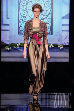Randa Salamoun - Couture - Fall-winter 2009-2010 - http://en.flip-zone.com/fashion/couture-1/independant-designers/randa-salamoun-1031