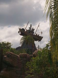 Disney Savvy Tips for the  Typhoon Lagoon water park, Walt Disney World