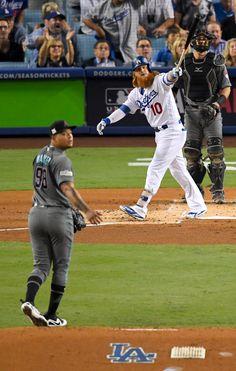 Justin Turner's night leads Dodgers past Diamondbacks in NLDS opener Baseball Playoffs, Baseball Scores, Pro Baseball, Dodgers Baseball, Baseball Games, Baseball Jerseys, Baseball Display, Baseball Posters, Los Angeles Shopping