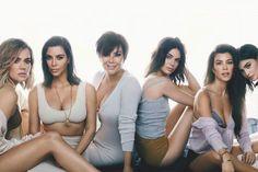 Khloe Kardashian, Estilo Kardashian, Kardashian Family Photo, Familia Kardashian, Kardashian Beauty, Kanye West, Kendall E Kylie Jenner, Sister Poses, Jenner Family