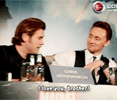 Who doesn't love a good Hollywood bromance, especially when it involves two actors that you're impossibly in love with, even though you've never met them? (But I feel like I have, I swear.)Thor andAvengers stars Tom Hiddleston and Chris Hemsworth