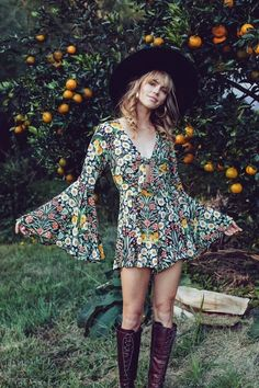 Trends For Spring 2020 Are Here And We're Obsessed - Adult Fashion fashion 70s Outfits, Hippie Outfits, Vintage Outfits, Fashion Outfits, Hippie Dresses, Boho Dress, Fasion, Stylish Outfits, 70s Inspired Fashion