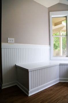 This gorgeous built-in bay window seating is a project you can totally do yourself! Here are all the details on how to build DIY banquette seating for your bay window. Storage Chair, Storage Bench Seating, Corner Seating, Cafe Seating, Kitchen Seating, Floor Seating, Banquette Seating, Diy Storage, Seating Plans