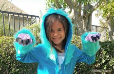 How to Make a No Sew DIY Sulley Costume from Monster's Inc. - Complete step by step instructions with materials list and video tutorial.