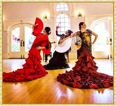 bata de cola, abanico Flamenco Dancers, Flamenco Dresses, Spanish Dance, Belly Dance Jewelry, Frou Frou, Cultural, Dance The Night Away, Dance Music, Dress Patterns