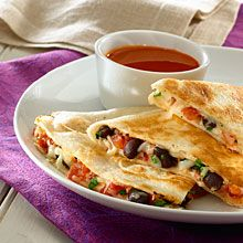 For a healthy and tasty take on the cheesy Mexican snack, fill your quesadillas with nutritious GOYA® Low Sodium Black Beans! GOYA® Beans are high in fiber, very low in fat and boast more fiber than most whole grain foods. Carnitas, Barbacoa, Mexican Food Recipes, Vegetarian Recipes, Cooking Recipes, Healthy Recipes, Vegetarian Dish, Tostadas, Tacos