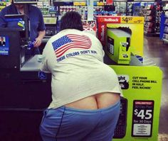 Where the weird, wacky, and profane combine into one retail experience -- hilarious photos of the most absurd people of Walmart! Walmart Funny, Only At Walmart, People Of Walmart, Funny Photos Of People, Funny People, Weird People, Walmart Pictures, Funny Pictures, Hilarious Photos