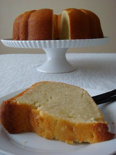 Vanilla Bean Pound Bundt Cake. Wow. That looks so moist, dense, and delicious... <3