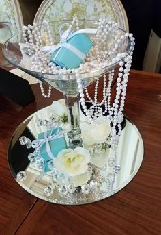 37 Breakfast At Tiffany's Themed Bridal Shower Ideas - All About Decoration Tiffany Blue Cupcakes, Tiffany Blue Party, Tiffany Birthday Party, Tiffany Theme, Tiffany Wedding, Birthday Table, Tiffany Blue Decorations, Tiffany Centerpieces, 13th Birthday
