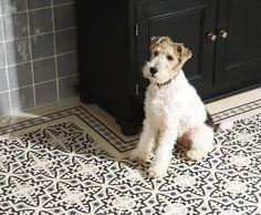 Patroon tegelvloer. Een combinatie van vier tegels vormen een patroon. Ook geschikt voor de wand.