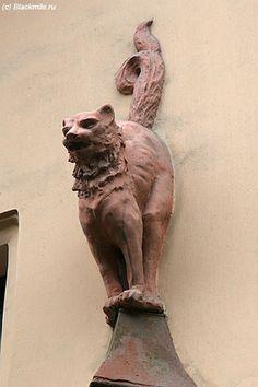 Кошки в скульптуре. Памятники кошкам. Скульптуры кошек.