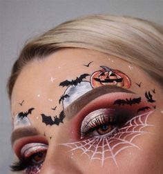 Halloween Makeup Looks, Makeup Eye Looks, Halloween Face, Face Makeup, Halloween Costumes, Pretty Makeup, Halloween 2020, Halloween Nails, Halloween Pumpkin Makeup
