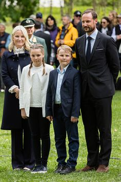 The Crown Prince Couple of Norway and their children - Royal Family Around the World