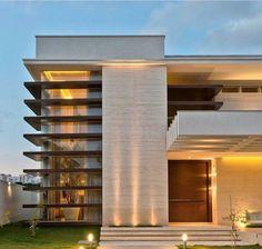 Eu estou encantada com essa fachada! Arquitetura é VIDA 😍👏🏻 Autoria de Elaine Zanon Architecture Design, Facade Design, Beautiful Architecture, Residential Architecture, Contemporary Architecture, Exterior Design, Villa Design, Modern House Design, Facade House