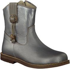 Silver Omoda Short Boots Girls http://www.omoda.nl/kinderschoenen/meisjes/laarzen/korte-laarzen/omoda/zilveren-omoda-korte-laarzen-8812-50023.html
