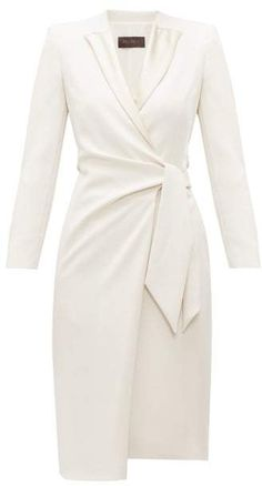 Max Mara Curve Dress - Womens - Ivory Source by dresses 2019 Elegant Dresses, Casual Dresses, Short Dresses, Dresses For Work, Sexy Dresses, Summer Dresses, Sparkly Dresses, Pretty Dresses, Awesome Dresses