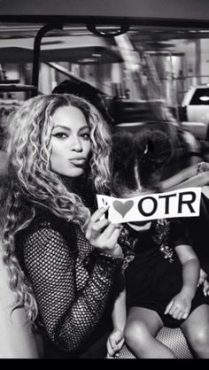 Beyonce & Blue Ivy Backstage of 'On The Run Tour' 2014