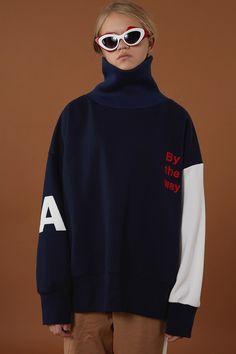 Urban Select presents South Korean brand, ADER Error - Style Me Strauss Sport Fashion, Fashion Outfits, Womens Fashion, Korean Brands, Tumblr Fashion, Aesthetic Clothes, Style Me, Winter Fashion, Street Wear