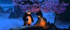 7 najkrajších citátov z rozprávky Kung Fu Panda Mnohí stretnú svoj osud na ceste, ktorú si vybrali, aby sa mu vyhli. - Majster Oogway   Tvoja myseľ je ako tá voda, priateľu. Vo chvíli, keď sa rozvíri, prestávaš jasne vidieť. Ale ak ju necháš upokojiť, odpoveď sa stane jasnou. - Majster Oogway