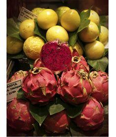 Marché de la Boqueria, Barcelone • Pitaya ou fruit du dragon