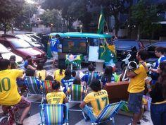 #KombidaKopa, a arquibancada móvel da zona sul | Carioca DNA  #cariocastyle #copadomundo #copa2014 #Brasil #todomundo#VaiTerCopa #JáTáTendoCopa #FIFAfunfest