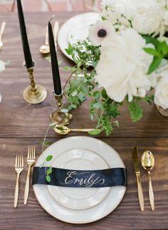 Moody Secret Garden Wedding Inspiration: http://www.stylemepretty.com/little-black-book-blog/2015/10/22/moody-secret-garden-wedding-inspiration/ | Photography: Gianny Campos - http://giannycampos.com/