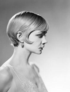 The Great Gatsby Daisy Buchanan kinda looks like kit kittrage creepy eh i dont t