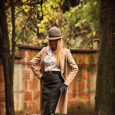 #ootd #biljanatipsarevic #leatherskirt #instyle photo Nemanja Dimitric @nemanjaatanackovic @enmanja