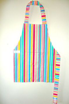 Like the apron design. Easy to put on and off independently.