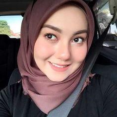 memek cewek hijab at DuckDuckGo Muslim Girls, Muslim Women, Hijab Makeup, Hijab Collection, Muslim Beauty, Islamic Girl, Hijab Niqab, Beauty Full Girl, Hijab Tutorial