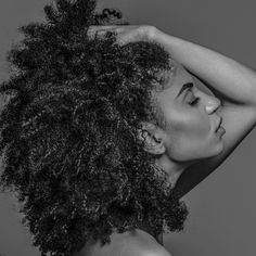 See this Instagram photo shot by @throwkon • Texture. Curly Afro-Textured hair. Natural hair. Afro curls. Big hair.