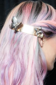 ℒᎧᏤᏋ her gorgeous pastel rainbow cotton candy hair with a chic butterfly clip!!!! ღ❤ღ