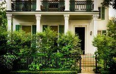 Julia Reed's New Orleans home (September, Elle Decor) - landscape design by Ben Page of Page Duke Landscape Architects