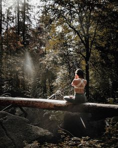 Forest Photography, Yoga Photography, Foto Nature, Yoga Photos, Outdoor Yoga, Yoga Routine, Yoga Retreat, Yoga Meditation, Yoga Inspiration