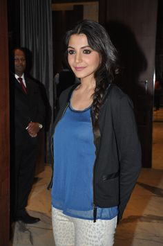 Anushka Sharma at Matru Ki Bijlee Ka Mandola Press Conference.