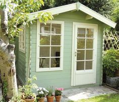 Julia's Keops cabin is painted in Cuprinol Garden Shades, £20 for 2.5 litres, B via Real Homes
