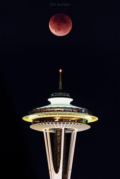 Super Blood Moon over Seattle Space Needle 9/27/2015