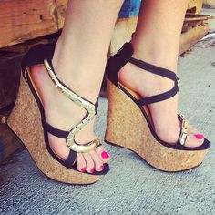Snake out. #gojane #wedges #snakes #gold #black #sexy #cork #style #gno #fashion