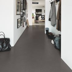 Versatile, classic mix of marble, granite and other stones for 'confetti' look and fresh, effect. Matt with subtle scratches and holes. Premium has highly durable wear layer for domestic use with PerfectFold™ V-click system for fast, easy installation. Types Of Wood Flooring, Solid Wood Flooring, Vinyl Flooring, Laminate Flooring, Area Comercial, Italian Tiles, Tile Manufacturers, Different Types Of Wood, Plank