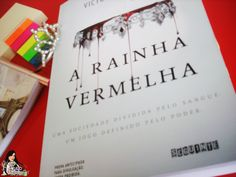 Vocês precisam conferir A RAINHA VERMELHA: http://www.delivroemlivro.com.br/2015/06/resenha-290-rainha-vermelha-book-1-de.html